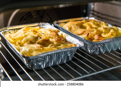 maccheroni with cheese in oven