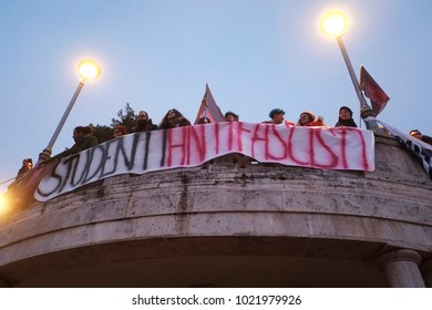 In Macerata 20.000 people arrived for a march against fascism after the shooting against African people. The banner of the antifa students. Macerata (I) 2018/Feb/10