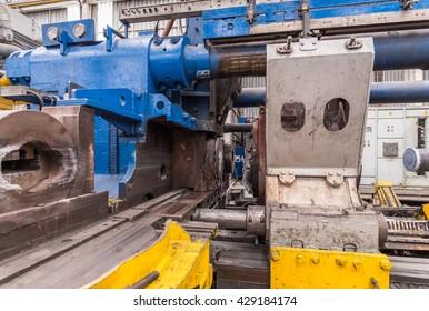 Machine for aluminum profile window production