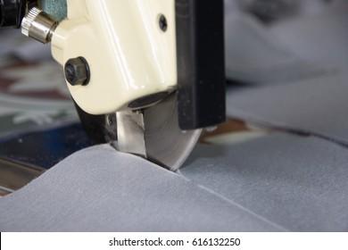 machine cutter cutting cloth