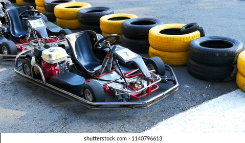 Machine go kart before the start.