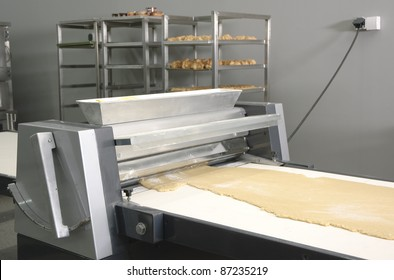 Machine for making dough