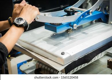 Machine for screen shirt.Heat transfer machine.