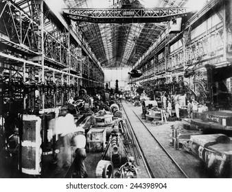 Machine shops of the Mitsubishi plant, Kobe, Japan. Ca. 1925.