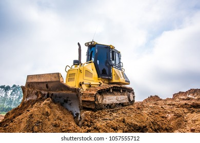 Machines excavating the soil from the beginning of the work