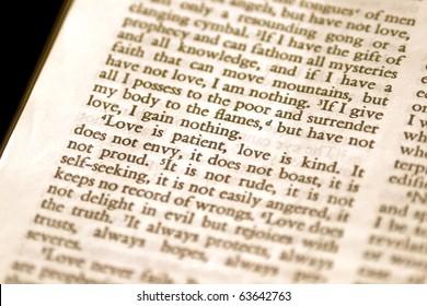 Macro of 1 Corinthians 13:4 Love is Patient.
