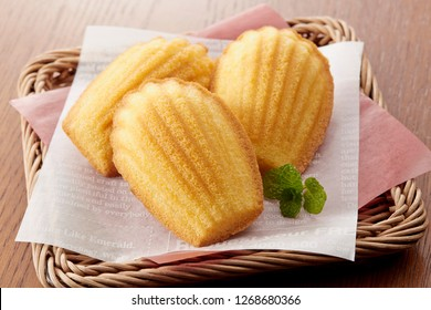Madeleine - homemade traditional French small cookie