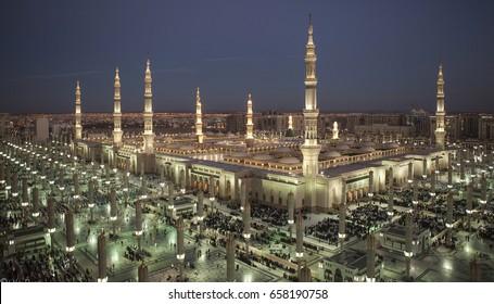 MADiNAH , SAUDi ARABiA  -  Masjid An Nabawi