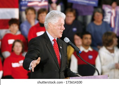MADISON, WI-FEB. 14:President Bill Clinton speaks to supporters during a speech in support of Hillary Clinton's Democratic presidential primary nomination on February 14, 2008 in Madison, WI.