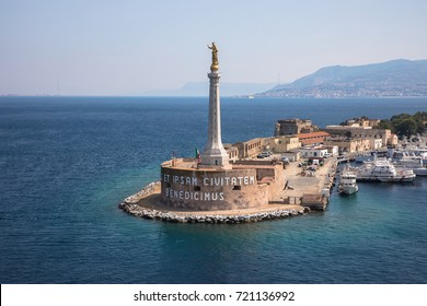 The Madonna della Lettera statue at the entrance to the harbour of Messina, Sicily, Italy