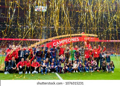 MADRID - APR 21: Barcelona celebrate the title consecution at the Copa del Rey final match between Sevilla FC and FC Barcelona at Wanda Metropolitano Stadium on April 21, 2018 in Madrid, Spain.