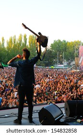 MADRID - SEPT 14: L.A. (Spanish band) concert at Dcode Festival on September 14, 2013 in Madrid, Spain.