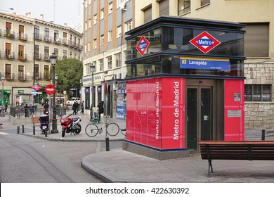 MADRID, SPAIN -1 FEBRUARY 2016- Red and blue sign at the entrance of the Lavapies subway station of the Madrid Metro.
