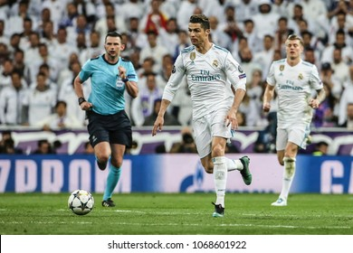 Madrid, Spain. April 11, 2018. UEFA Champions League. Real Madrid - Juventus 1-3. Cristiano Ronaldo, Real Madrid and the referee Michael Oliver.