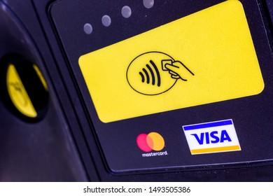 apobank mastercard gold