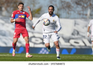 MADRID, SPAIN - MARCH 13:  Isco, Real Madrid player in a match versus Elche CF in Alfredo Di Stefano Stadium on march 13, 2021 in Madrid, Spain - Image - Imagen