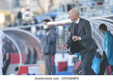 MADRID, SPAIN - MARCH 13:  Zidane, Real Madrid coach in a match versus Elche CF in Alfredo Di Stefano Stadium on march 13, 2021 in Madrid, Spain - Image - Imagen
