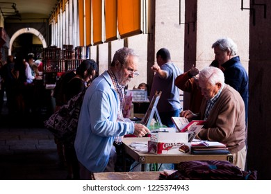 MADRID, SPAIN - OCTOBER, 2016: Sunday jumble sale of Madrid