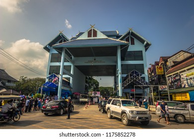 Mae Sai - October 18, 2014: Border with Myanmar in the village of Mae Sai, Thailand