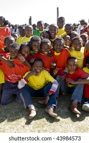 MAGAALAA FITCHE GODINA, FITCHE - NOV 30: Young Ethiopian performers celebrating the 20th World Aids Day event on November 30, 2008 in Fitche, Ethiopia.