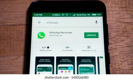 Yahoo Messenger Images, Stock Photos & Vectors | Shutterstock