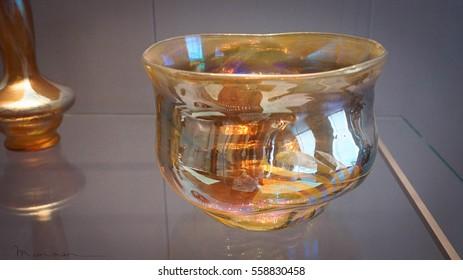 Magical glass bowl