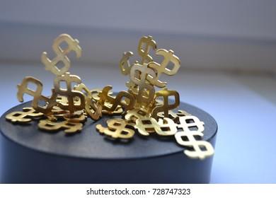 magnet with dollar symbol
