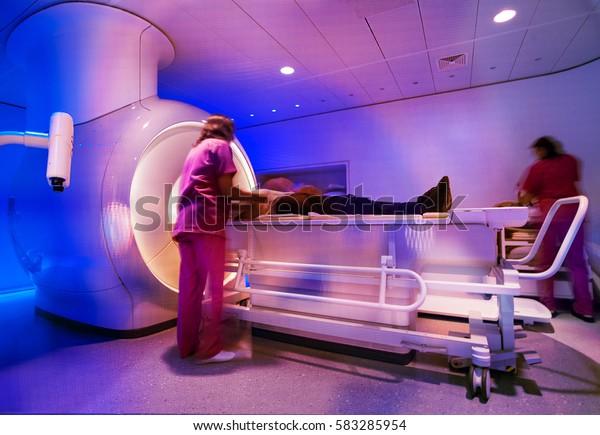 magnetic resonance scanner