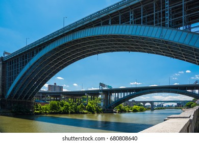 Magnificent bridges are over the Harlem River in New York / Magnificent bridges of New York City /  We can see many bridges along the Harlem River ,New York.