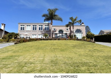Magnificent modern villas with a large green well-groomed lawn. Palos Verdes, CA.