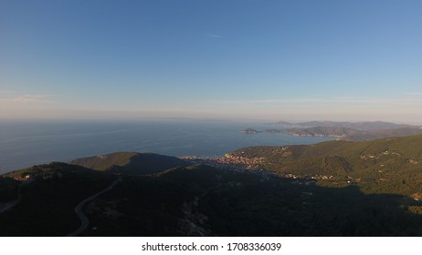 Magnificent view over the island Elba