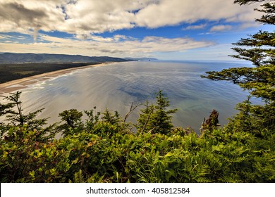 A magnificent view of the Pacific Ocean along the Oregon coast on a sunny spring day.