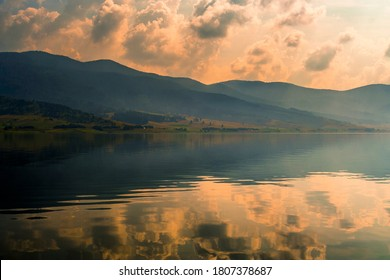 Magnificient lake view at morning time