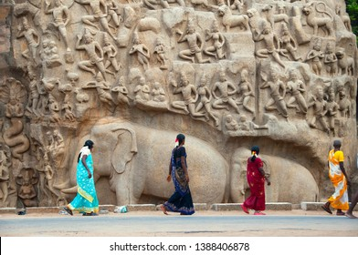 MAHABALIPURAM, TAMIL NADU, INDIA 01 DECEMBER 2017 : Unidentified tourist and local people on various tourist point at Mahabalipuram.