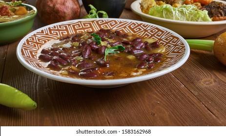 Maharagwe, Rote Bohnen in Coconut Sauce, Tschadische Küche, Traditionelle afrikanische Gerichte, Draufsicht.