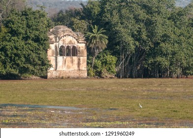 Maharaja's old hunting lodge in Ranthambore National Park in Rajasthan, India