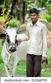 MAHARASHTRA, INDIA September 22, 2011: Rural people lifestyle, September 22, 2011, Salunkwadi, Ambajogai, Beed, Maharashtra, India