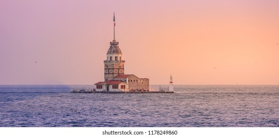 Maiden's Tower (also known as Leander's Tower or Kiz Kulesi) on the Bosphorus in Istanbul at sunset , Turkey