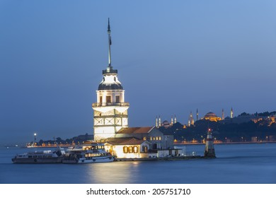 Maiden's Tower at dusk
