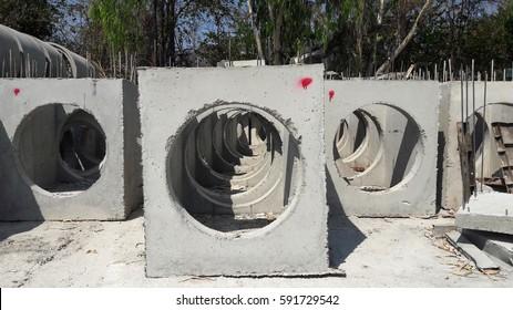 Main hole concrete precast product  in precast factory