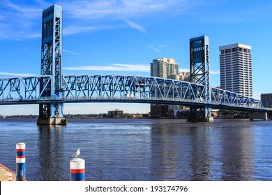 Main Street Bridge over the St. Johns River in Jacksonville, Florida