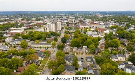 Main streets running through the sleepy college town of Bowling Green KY - Shutterstock ID 1581229999