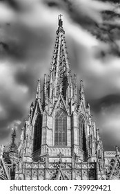 Main tower of the gothic Cathedral of the Holy Cross and Saint Eulalia, aka Barcelona Cathedral, Catalonia, Spain