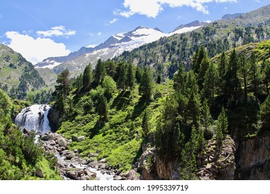 Main view of forau d'Aigualluts, an amazing spot where the water from melted Aneto's glacier goes underwater to ´´Ésera river, Benasque, Spain.