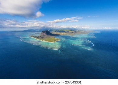 Main view on Mauritius from the helicopter