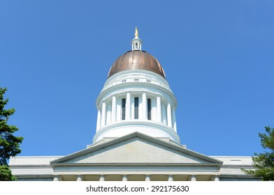 Maine State House is the state capitol of the State of Maine in Augusta, Maine, USA. Maine State House was built in 1832 with Greek Revival style.