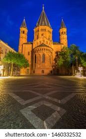Mainz Cathedral at evening. Mainz, Rhineland-Palatinate, Germany.