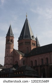 Mainz Cathedral or St. Martin's Cathedral (German: Mainzer Dom, Martinsdom officially, Der Hohe Dom zu Mainz) is located near  historical center and pedestrianized market square of the city of Mainz