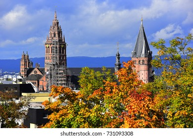 MAINZ, GERMANY - OCT 09: view of the Mainz Cathedral  on October 09, 2017 in Mainz, Germany.