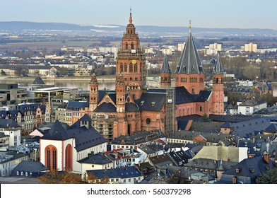 MAINZ,GERMANY-JAN 19:panoramic view on the  Mainz cathedral on January 19,2017 in Mainz,Germany.